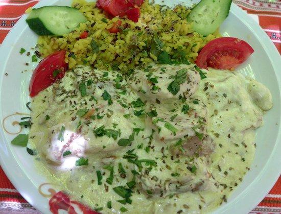 Taverna Kyria Maria: Hühnchenbrust mit Joghurt-Zitronensauce