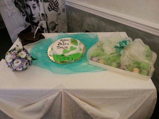 spesso Tavolo della torta promessa di matrimonio curato nei minimi  AJ11