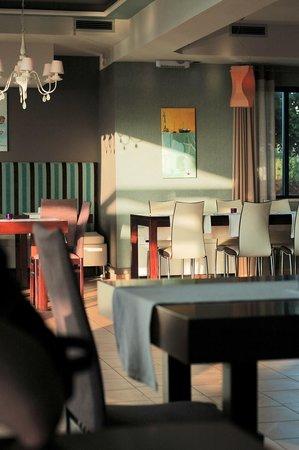 Alexis Hotel, Chania: Inside restaurant