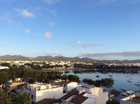 OLA Hotel El Vistamar : Blick in den Hafen