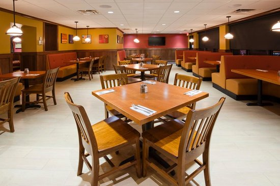 Would You Like A Booth Or Table Picture Of Green Mill Restaurant - Booth or table