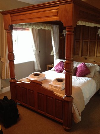 Ravenstone Manor : Beautifully authentic & very comfy