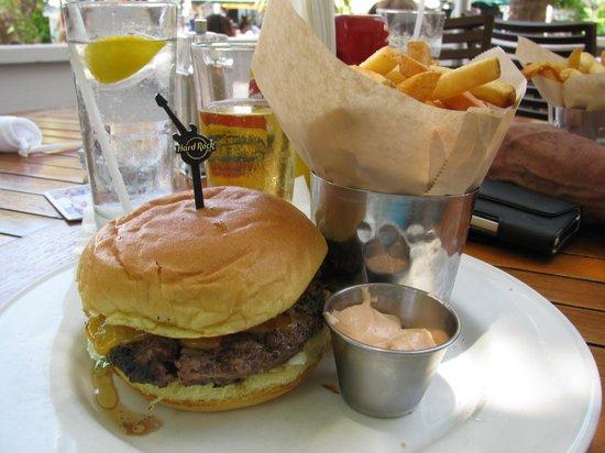 Hard Rock Cafe: 6 oz cheeseburger