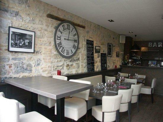 restaurant le bistro 39 quai dans bayonne avec cuisine brasserie gastronomique. Black Bedroom Furniture Sets. Home Design Ideas