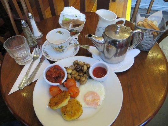 Queen of Tarts: Veggie breakfast was fantastic!