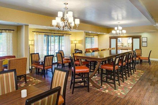 Hampton Inn Columbia Northeast-Fort Jackson Area: Breakfast dining area