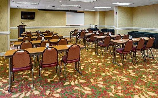 Hampton Inn Columbia Northeast-Fort Jackson Area: Palmetto Room- classroom style