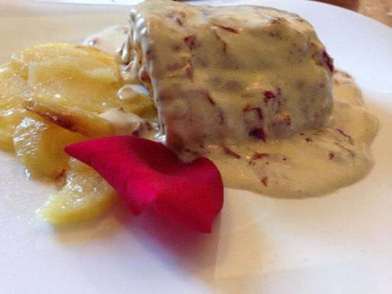Museu dels Angels: Bacalao a la crema de rosas un plato exquisito
