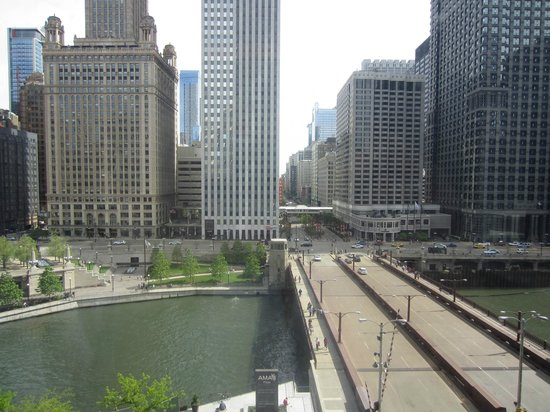 The Langham, Chicago : Classic River View Suite - River and State Street