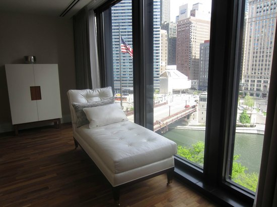 The Langham, Chicago: Classic River View Suite
