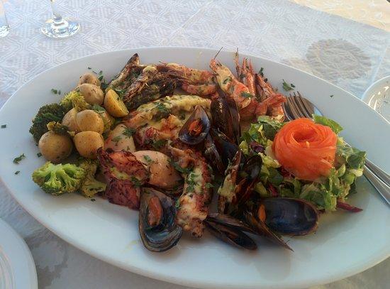 Ellis Restaurant: seafood platter for 2!!