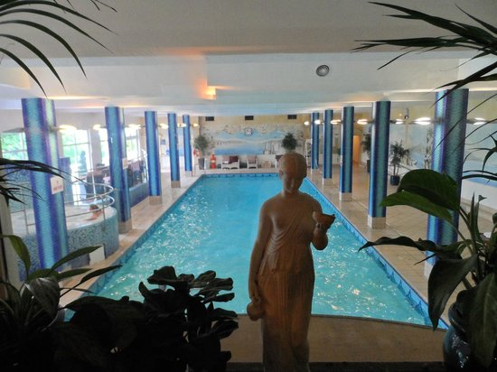 Fitzpatrick Castle Hotel Dublin Swimming Pool
