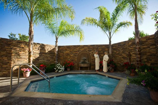 South Coast Winery Resort & Spa: Private Jacuzzi