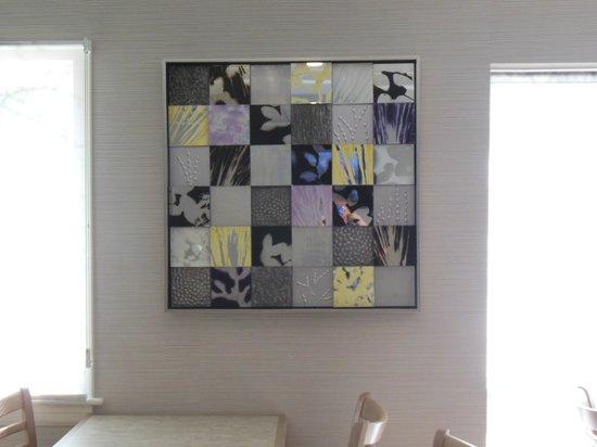 Comfort Inn Williamsburg Gateway: Eye catching art work