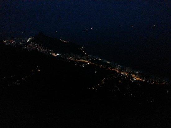 Pedra Bonita: Visual São Conrado noturno