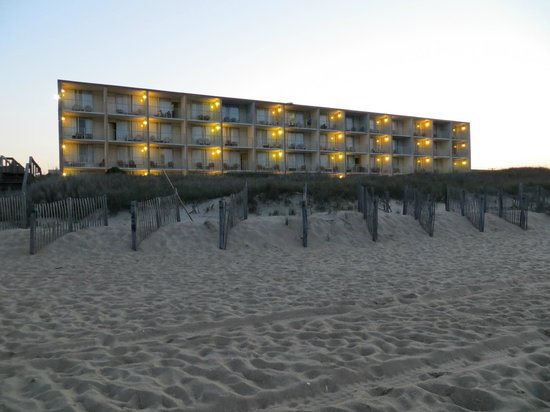 Comfort Inn On The Ocean : Blick vom Strand