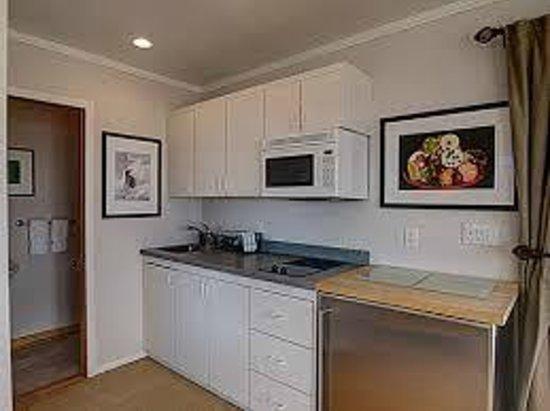 White Sands Resort: Kitchenette One bedroom suite