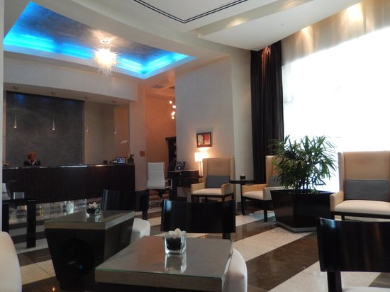 Residence Inn Fort Lauderdale Intracoastal/Il Lugano: Entrance / Lobby (facing check in area)