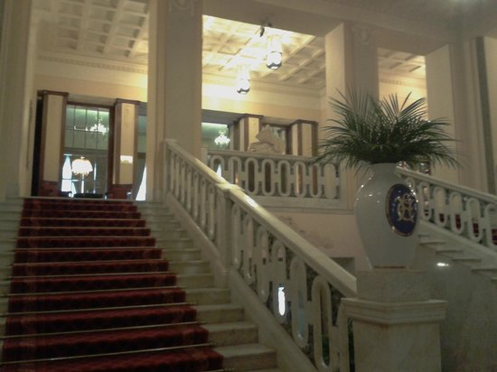 Belmond Grand Hotel Europe: Staircases