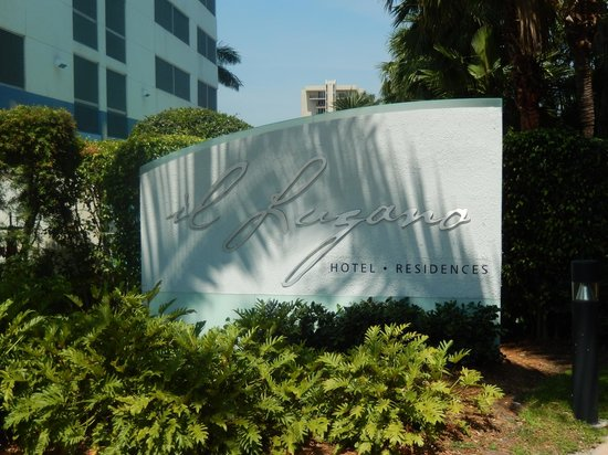 Residence Inn Fort Lauderdale Intracoastal/Il Lugano: Entrance to Il Lugano