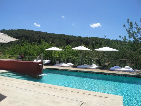 Can Lluc Boutique Country Hotel & Villas: view over the pool