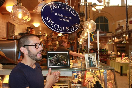 FoodTours.eu Stockholm: Francisco explaining about the game meat specialist