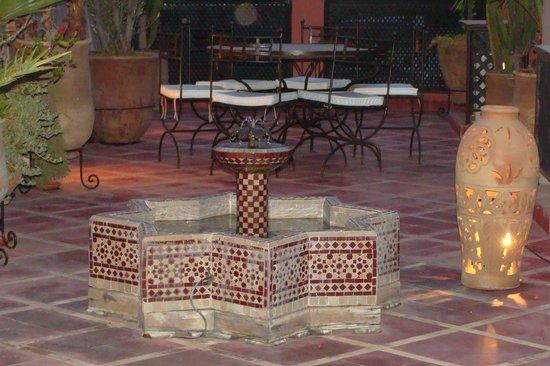 Riad Alili: Terrasse
