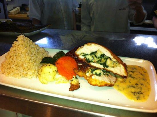 Limber Pine Smokehouse & Taberna: Lobster & Spinach Stuffed Chicken