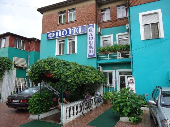 Hotel Kaduku: Entree van het hotel.