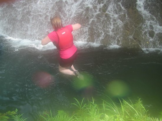 Mount Hope Waterfall: Last jump before climbing waterfall
