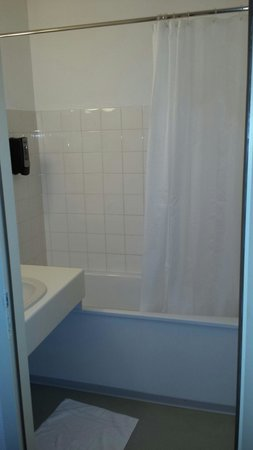 Hotel Saint Hubert: Salle de bains