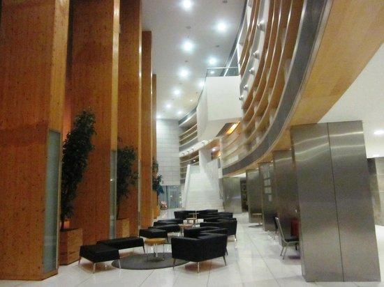 VIP Executive Azores Hotel: Lobby