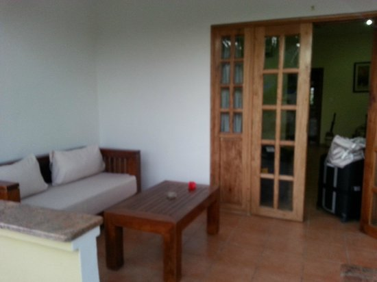Britannia Hotel-Guest House: Veranda