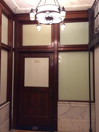 The Alise Chicago - A Staypineapple Hotel: Our original door