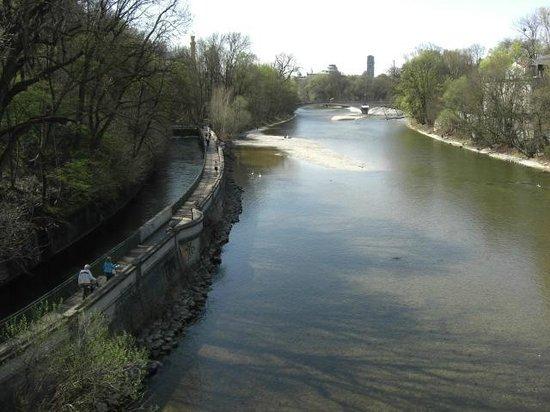 Prinzregententheater: Margem do rio Isar