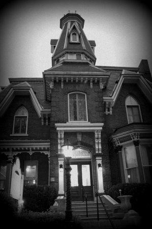 The Haunted Walk of Kingston : Haunted B&B