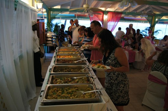 Timothy Beach Resort: reception at the sunset cafe