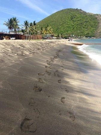 Timothy Beach Resort: beach area by hotel