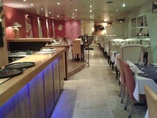 Bombay Joe's: restaurant