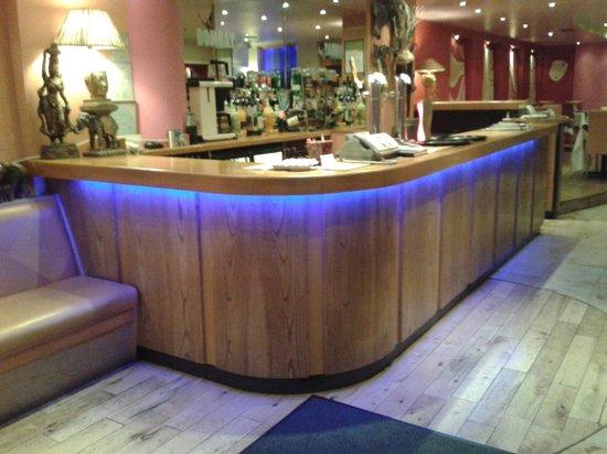 Bombay Joe's: bar