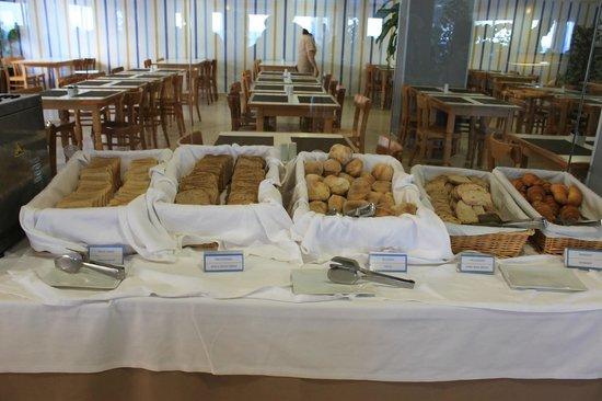 Dom José Beach Hotel : breads