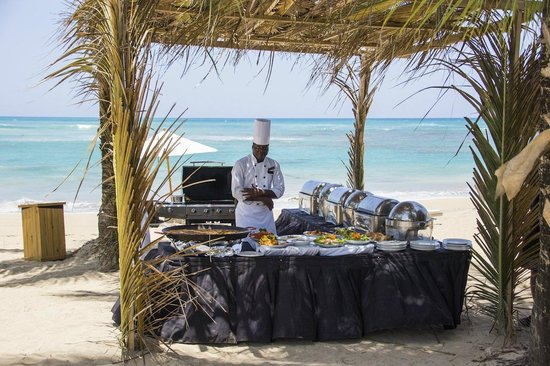 Zoetry Agua Punta Cana: Strand BBQ