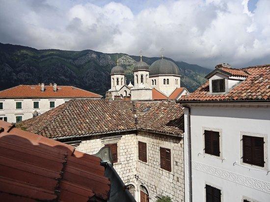 Hotel Rendez-Vous: Uitzicht vanuit de kamer.