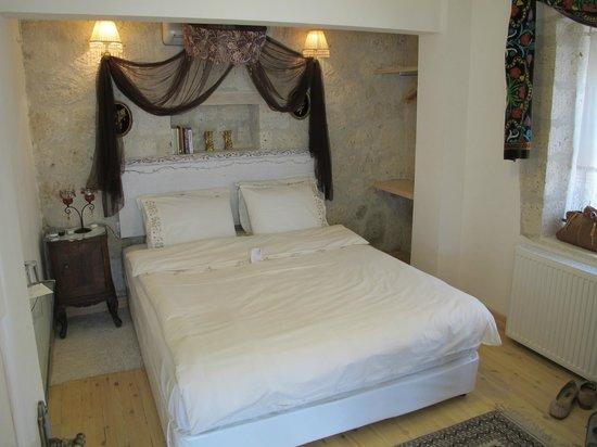 My Stone Home Hotel: chambre