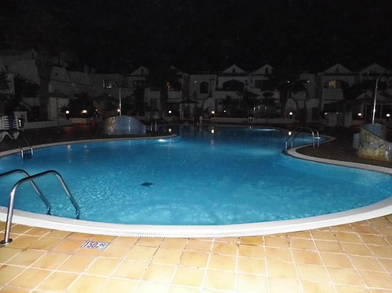 Cinco Plazas: 1 of 3 pools in the complex