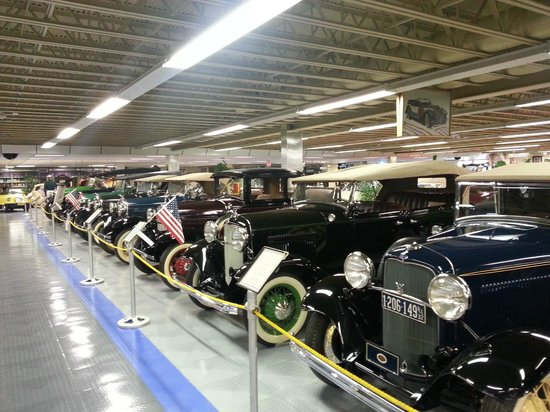 Tallahassee Antique Car Museum: Cars