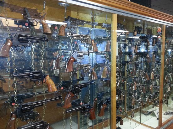 Tallahassee Antique Car Museum: Guns