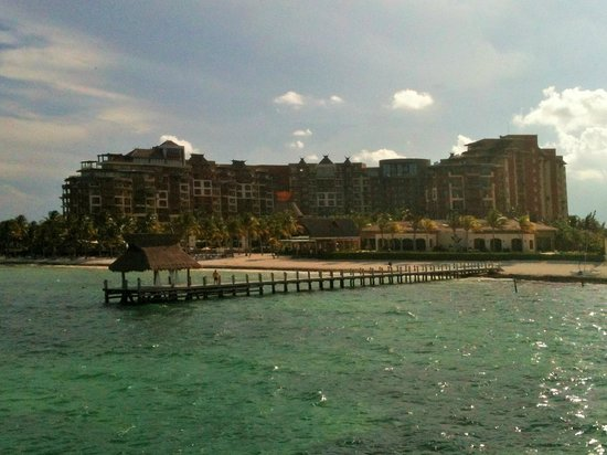 Villa del Palmar Cancun Beach Resort & Spa: View from ferry approaching resort