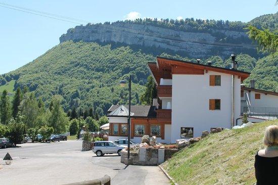 Hotel San Giacomo Gourmet & Spa: Vista laterale hotel