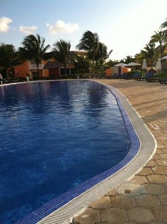 Ocean Maya Royale: Lovely pool